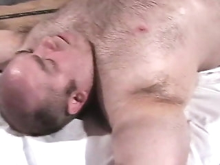 daddy Musclebear Bondage Dad Jackedoff away from Flunkey a fellow with bear